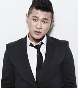 Kang Hong-Suk