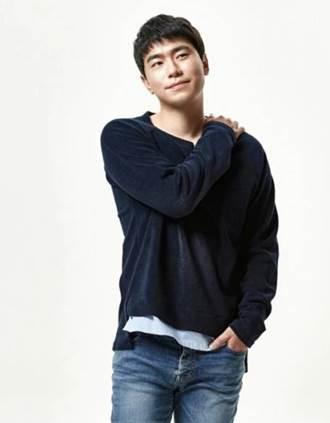 Lee Si-Un