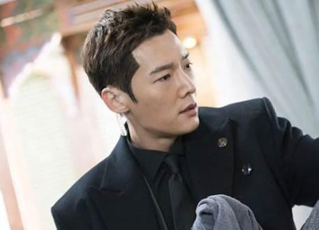 Biodata Profil Choi Jin-Hyuk Pemain The Last Empress Trans TV