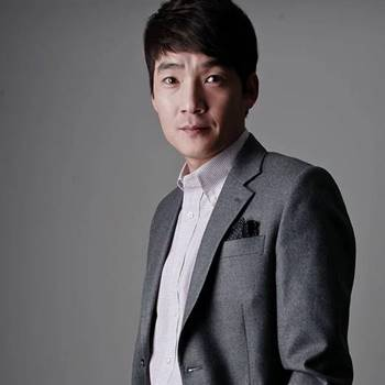 Foto Biodata Kim Jung Hyun