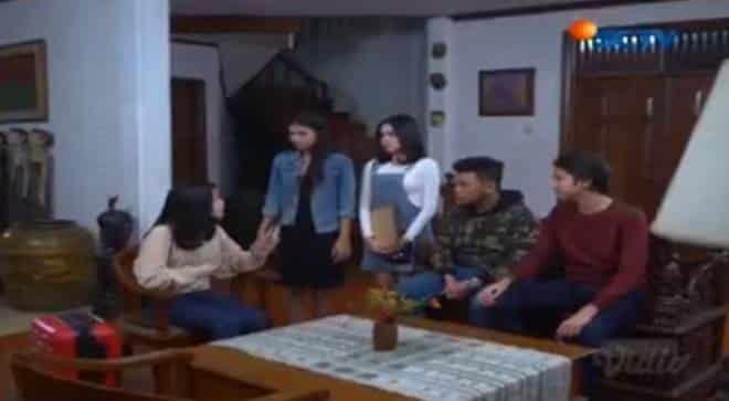 Sinopsis Topeng Kaca SCTV Hari Ini Rabu, 26 Juni 2019 Episode 17