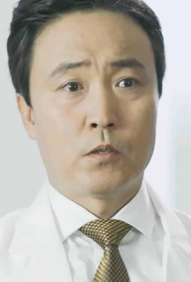 Pemain Drama Korea Doctors - Eom Hyo-Seop pemeran Jin Myung-Hoon
