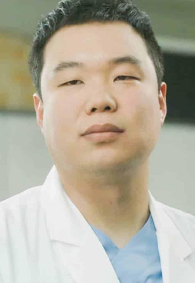 Pemain Drama Korea Doctors - Jo Hyun-Sik pemeran Ahn Joong-Dae