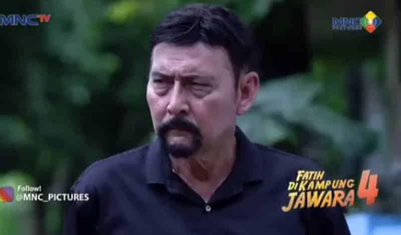 Pemain Fatih di Kampung Jawara 4 - August Melasz sebagai pemeran Guru Singa / Jafar