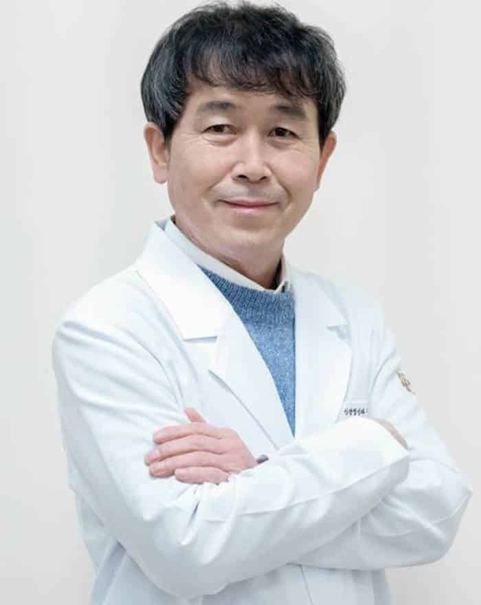 Pemain The World of the Married - Park Choong-Sun pemeran Ma Gang-Seok