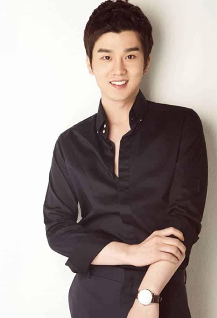 Pemain Jealousy Incarnate - Seo Hyun-Suk pemeran Lee Seung-Han
