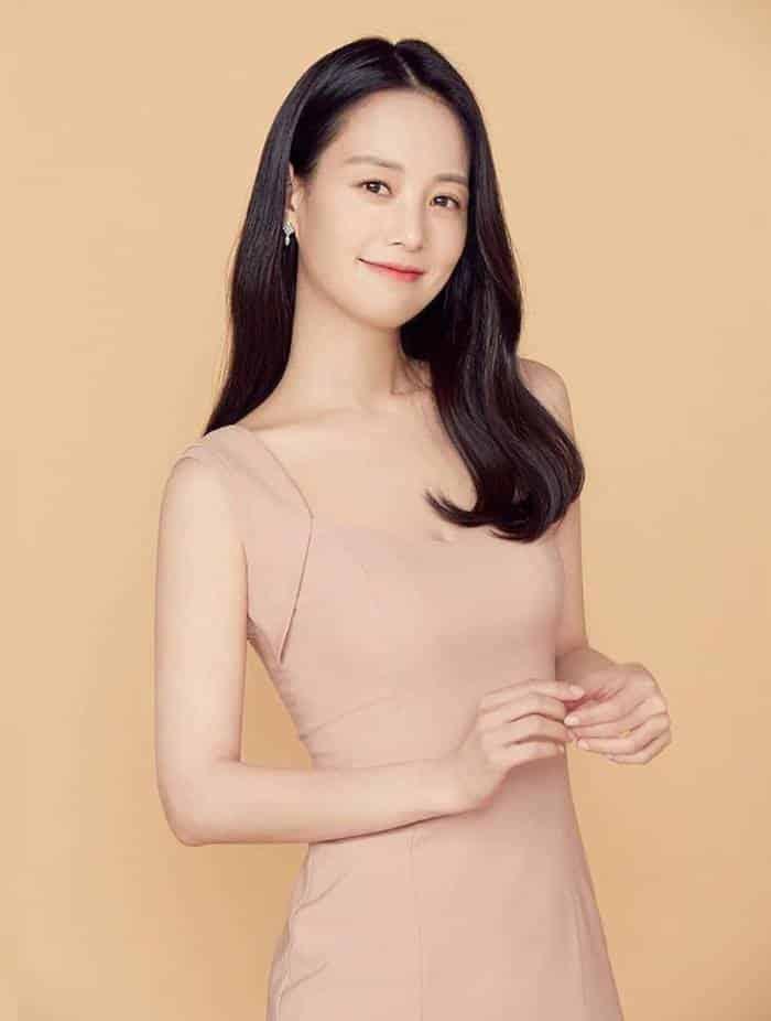 Pemain Innocent Defendant - Son Yeo-Eun pemeran Yoon Ji-Soo