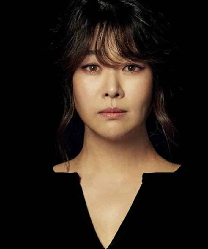 Pemain Drama Graceful Friends - Kim Ji-Young sebagai Ji Myeong-Sook