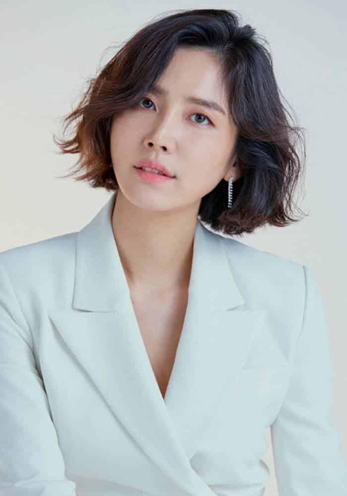Pemain The K2 Trans TV - Shin Dong Mi sebagai Kim Dong Mi