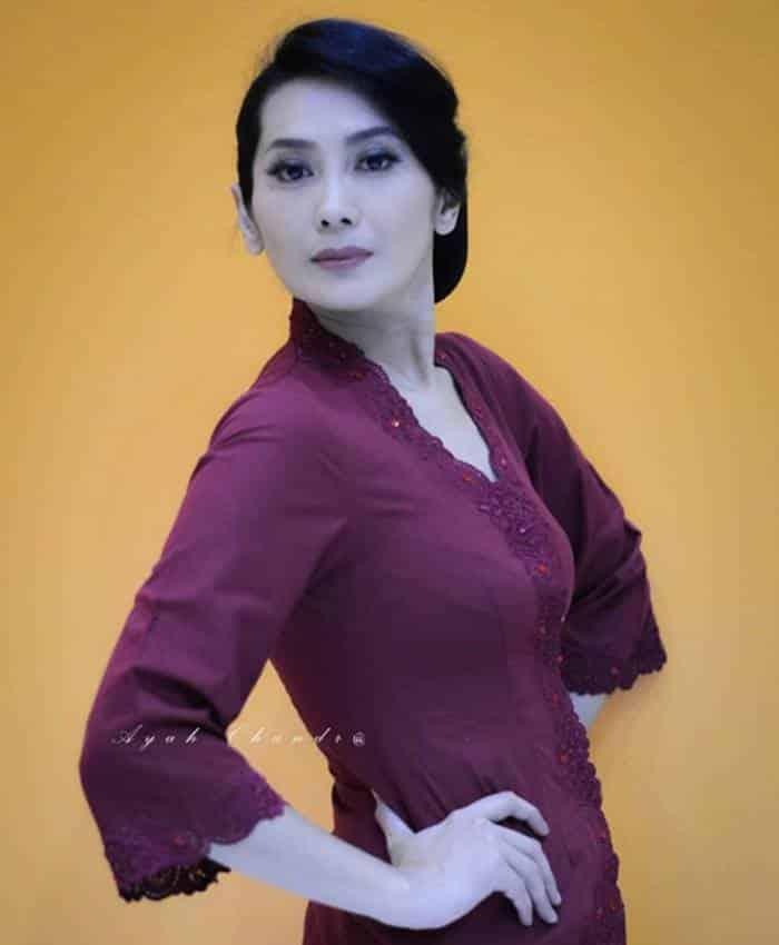 Pemain Perempuan Pilihan - Elizabeth Christine sebagai Astuti