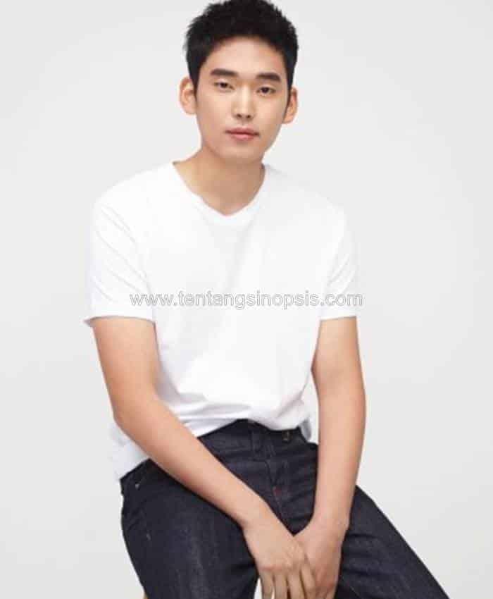 Pemain The School Nurse Files - Choi Joon-Young sebagai Kim Gang-Sun