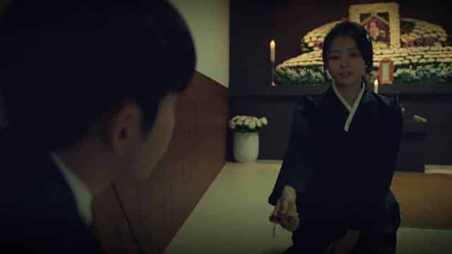 Sinopsis Drama Korea Flower of Evil Episode 5 Part 2