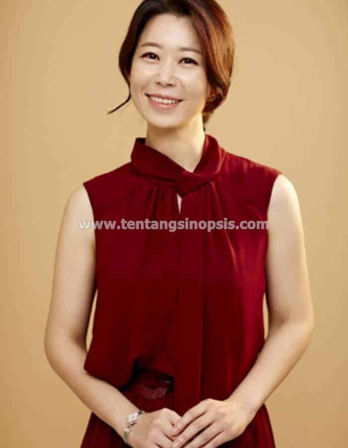 Pemain Kairos - So Hee-Jung sebagai Jung Hye-Kyeong