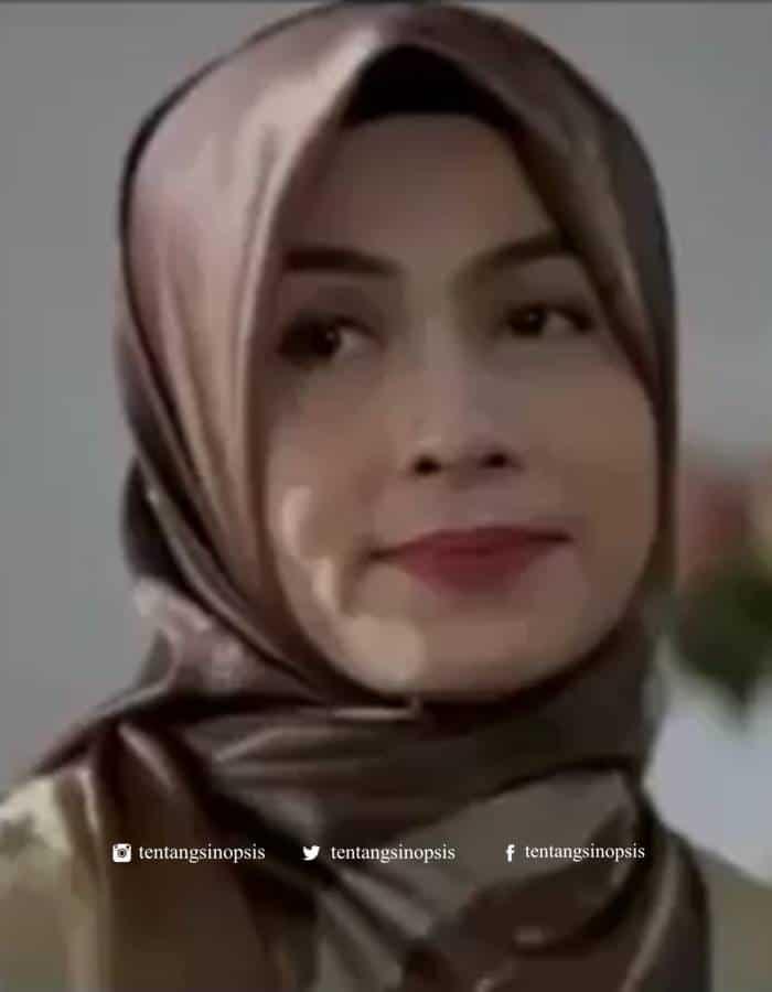 Pemain Para Pencari Tuhan Jilid 14 - Irma Anissa sebagai Mimih Herlina